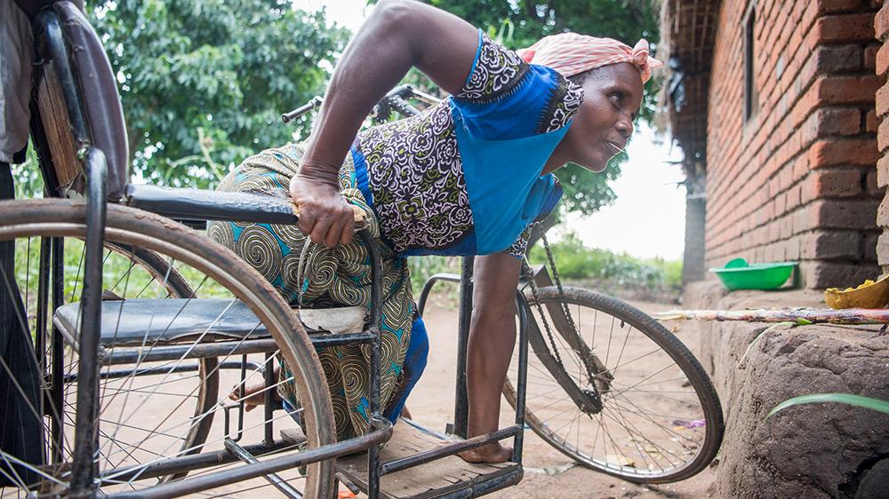 Dorothy mit Rollstuhl